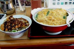 ジャンボカツ丼(1100円)