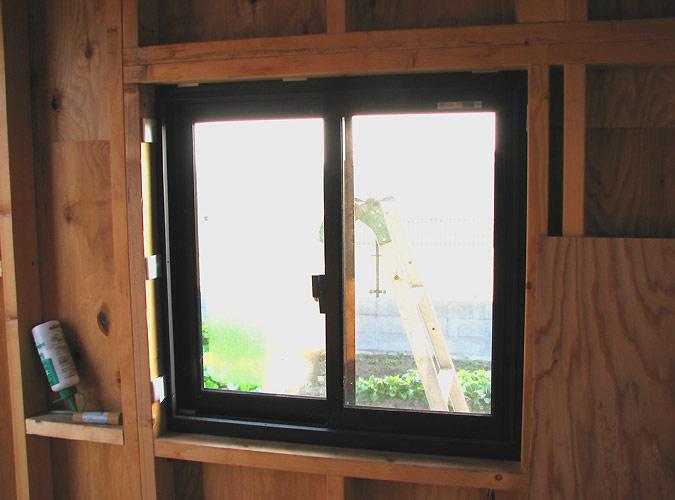 「DIYで木造物置製作6」サッシ取り付け編