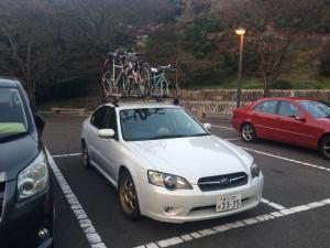 キャリアに自転車3台